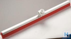 Wasserschieber mit Wechselprofil, 2-lippig, rot Lebensmittelgummi, 620x35x105mm